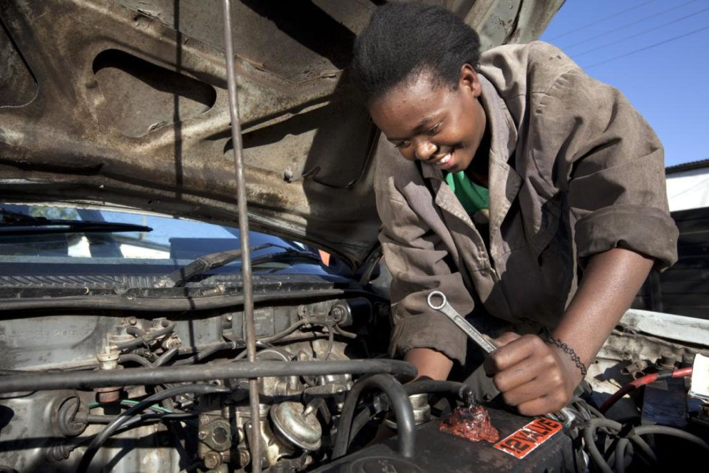 Turbocharging youth employment in Africa: a new approach (WP1658)