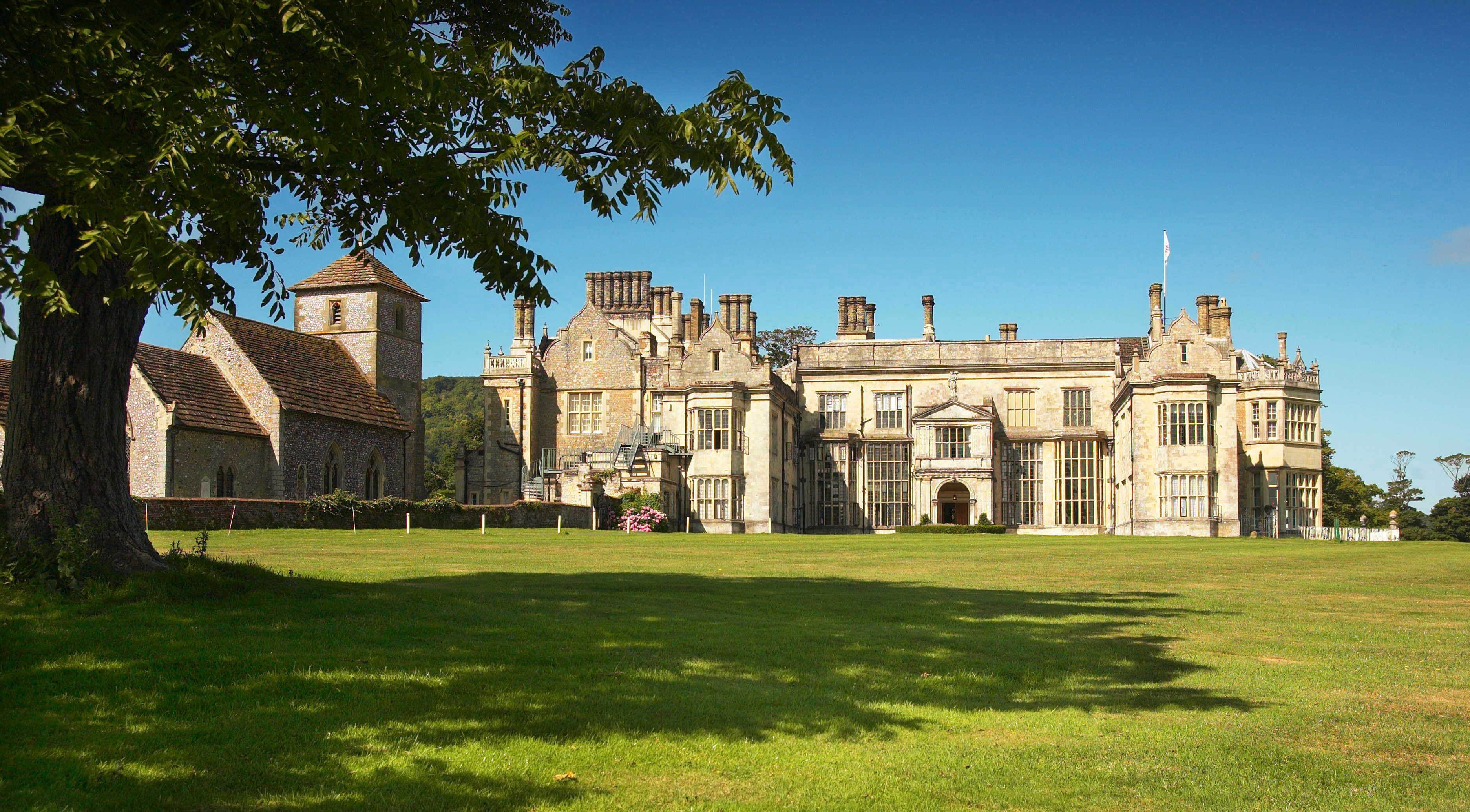 https://www.wiltonpark.org.uk/your-stay-at-wilton-park/